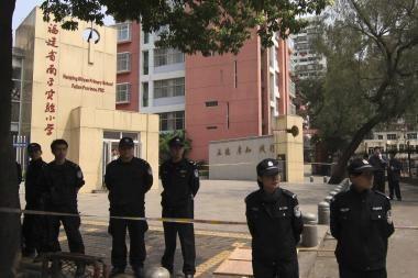 Kinijos mokykloje buvęs gydytojas užkapojo aštuonis vaikus