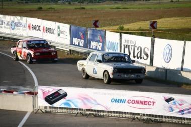 Pirmosiose istorinių automobilių lenktynėse varžėsi 15 mašinų