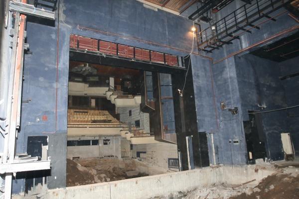 Pradėti Klaipėdos dramos teatro griovimo darbai