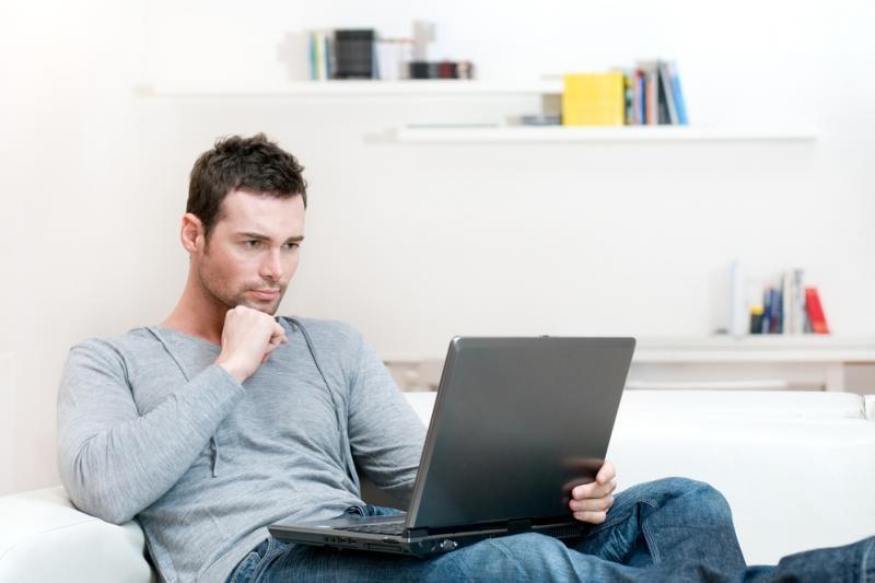 Daugėja tyrimų dėl internetinių komentatorių kurstomos neapykantos