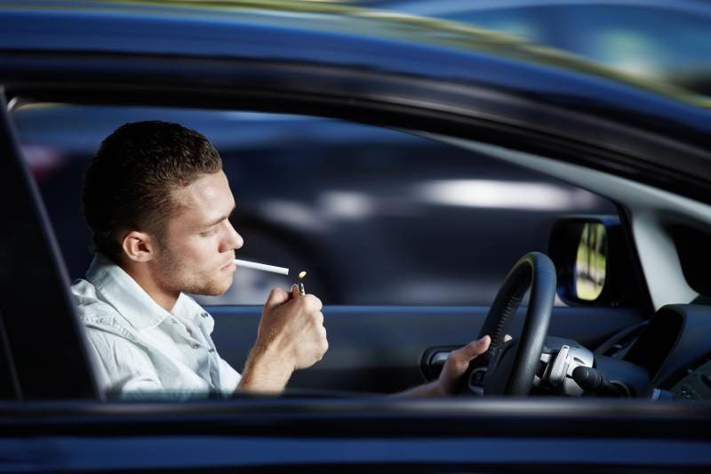 Rūkymas vairuojant - nelaimės    šauklys