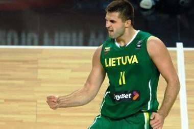 Geriausių krepšininkų rinkimuose pirmauja L. Kleiza ir S. Linkevičienė