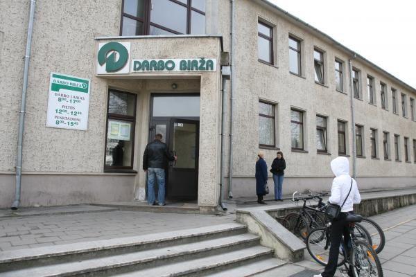 Klaipėdos darbo biržos specialistai taps bedarbiais