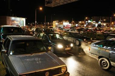 Kelininkai įspėja apie naktį blogėsiančias eismo sąlygas