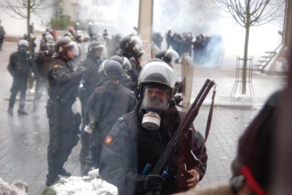 Guminėmis kulkomis sužalotas riaušių prie Seimo dalyvis bylinėjasi su valstybe