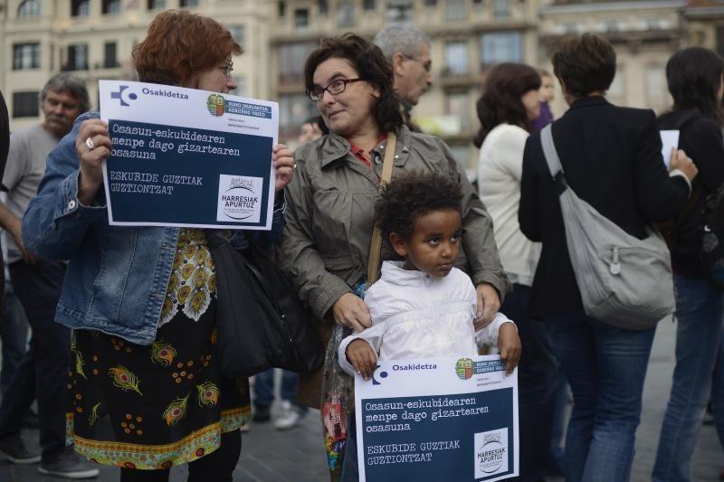 Ispanai protestuoja ir keičia gyvenimo įpročius