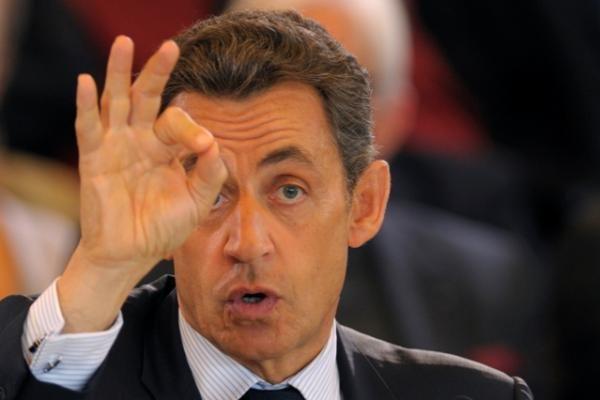 Į Prancūzijos premjero postą iš naujo paskirtas F.Fillonas