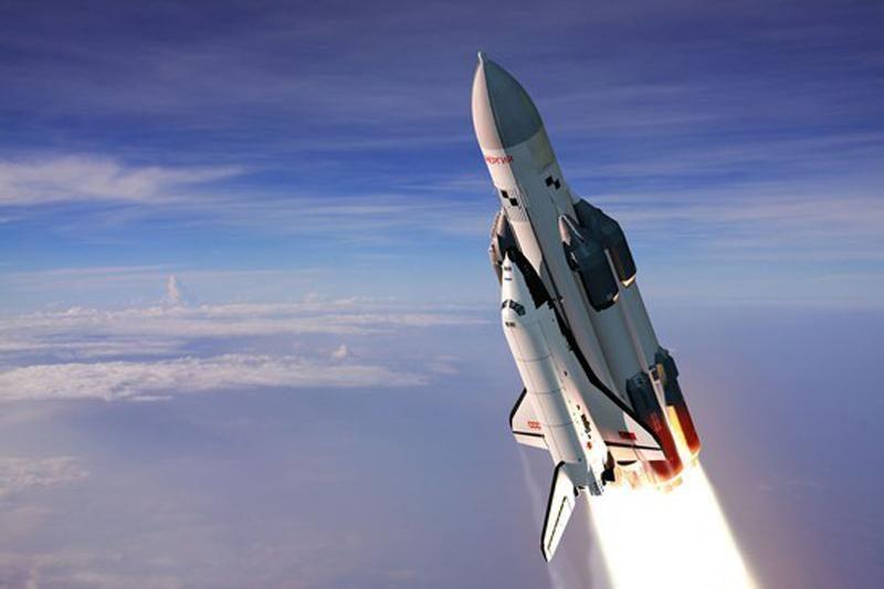 Trys TKS įgulos nariai penktadienį grįžo į Žemę (atnaujinta)