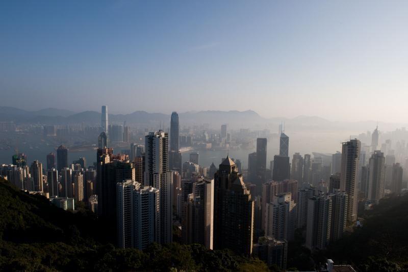 Honkongas skęsta vis tirštesniame smoge