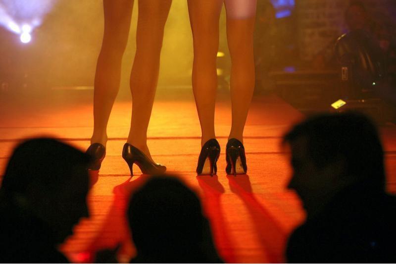 Sąvadautojai į prostituciją įtraukė 12 merginų