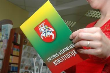Konstitucijos egzamino finale dalyvavo per 100 šalies piliečių