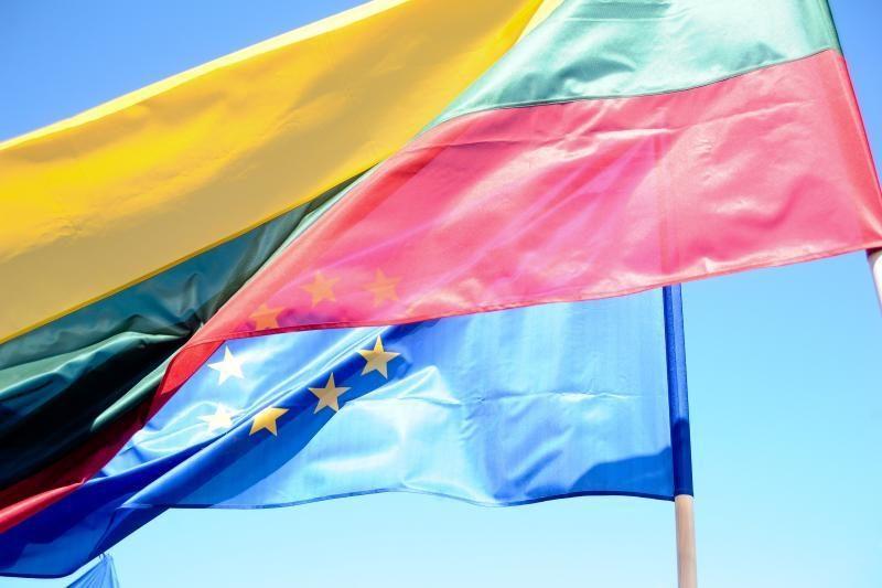 Pirmininkavimą ES Tarybai Lietuva pasitiks iškeltomis ES vėliavomis