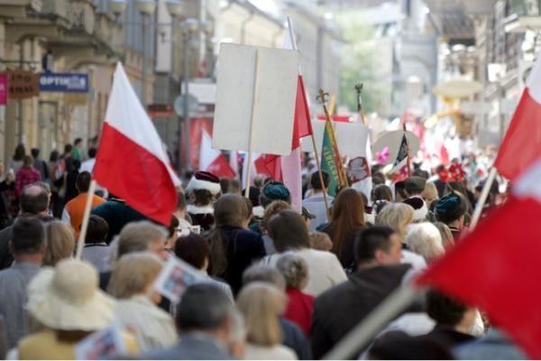 Lenkai Briuselyje reikalauja imtis priemonių prieš Lietuvą