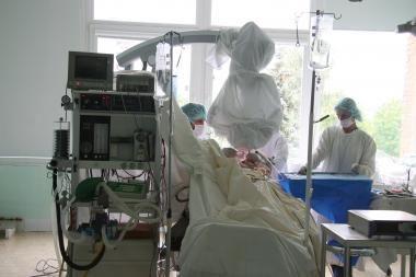 Tiriama, ar gydytojai sutrikdė pacientės sveikatą