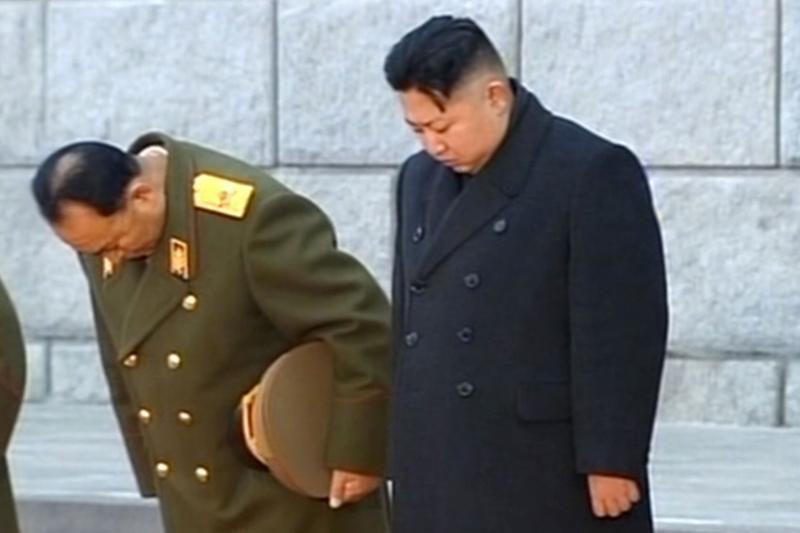 Šiaurės Korėja žada paleisti raketą, kad pagerbtų velionį Kim Jong Ilą