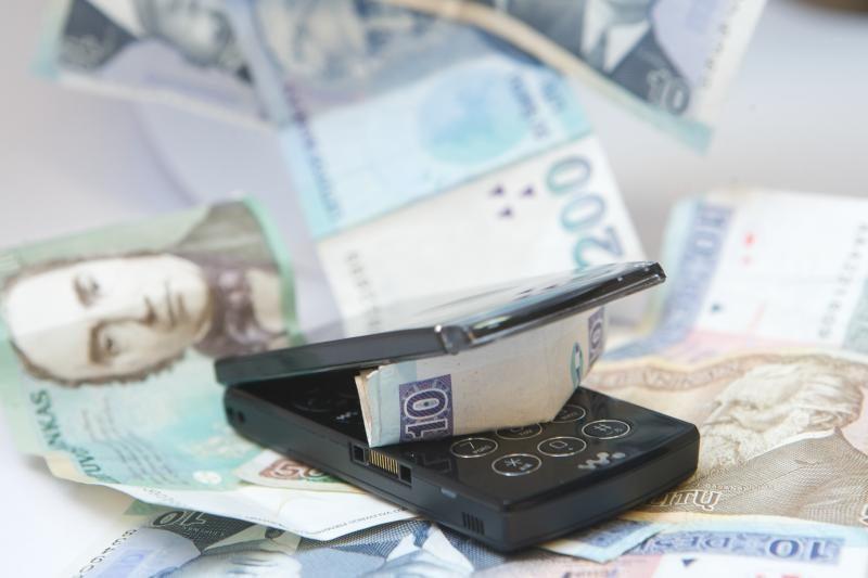 Akmenės rajone telefoniniai sukčiai bandė išvilioti 12 tūkst. litų