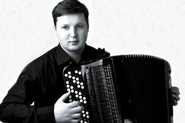 Liepsningas bajano virtuozo solo pasieks Klaipėdą