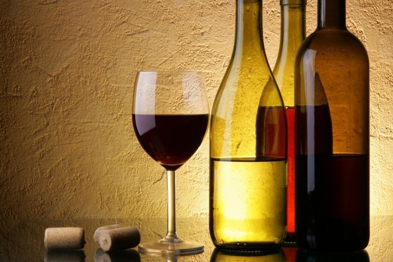 Apklausa: 60 proc. gyventojų alkoholio reklama neveikia
