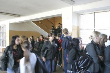 Nelegalūs Vaižganto mokyklos moksleiviai išėjo, bet žada sugrįžti