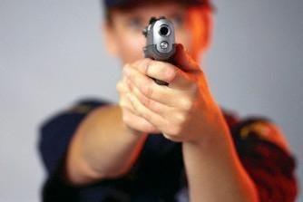 Lentvaryje apšaudyti ir lazdomis sumušti du jauni vyrai