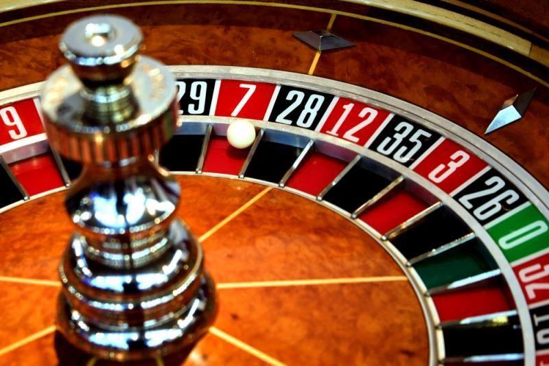 Įstatymo pataisos gali pažaboti nelegalius lošimus internete