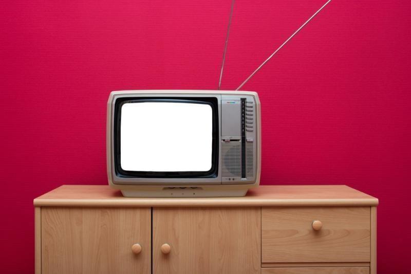 """""""IKEA"""" pristato """"UPPLEVA"""" – televizorių ir baldą viename"""