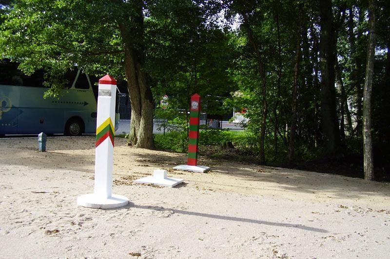 Kuršių Nerijoje - pirmieji Lietuvos ir Rusijos sieną žymintys ženklai