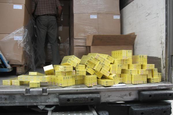 Po saldumynais slėpta kontrabandinių cigarečių už milijoną litų