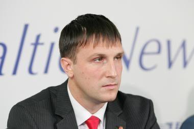Seimas atidėjo klausimą dėl A.Sacharuko neliečiamybės