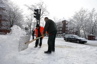 Pūga Vokietijoje sukėlė eismo sumaištį