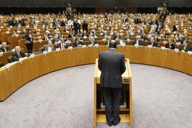 Europos Parlamentas reikalauja sustabdyti romų išsiuntimą