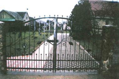 Trakų rajone siautėja metalinių vartų vagys