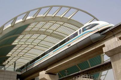 Pekino greitaisiais traukiniais - 20 tūkst. keleivių per dieną