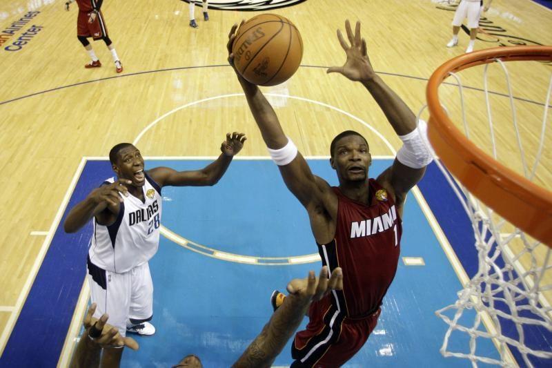NBA čempionas naująjį sezoną namuose pradėjo pralaimėjimu