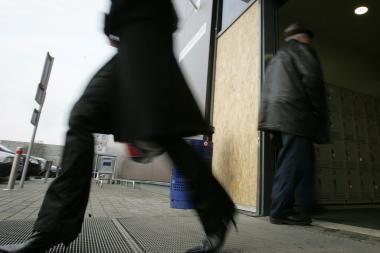 """Surastas iš """"Maxima"""" parduotuvės pavogtas bankomatas"""