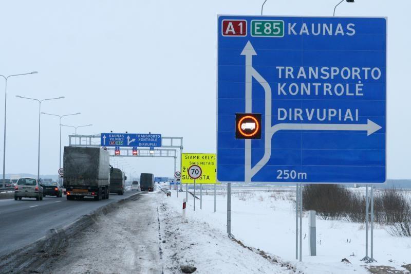 Girtas vilkiko vairuotojas džiaugėsi, kad Lietuvoje už tai nekariama