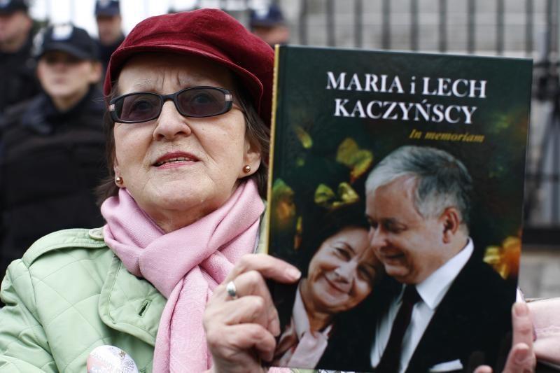 Lenkijoje minimos prezidento L. Kaczynskio žūties trečiosios metinės