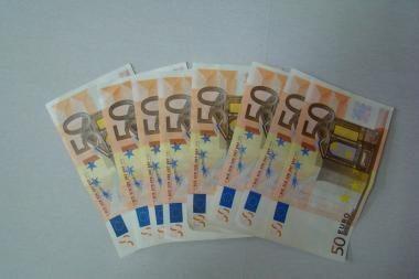 Kaune bandyta iškeisti padirbtas 50 eurų kupiūras