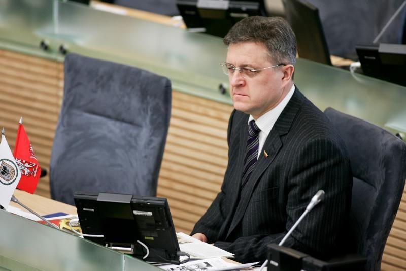 V.Valkiūnas siūlo plėsti VPT steigiant papildomus 205 etatus