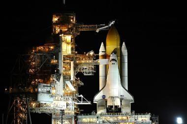 """NASA """"Discovery"""" startą atidėjo iki vasario"""