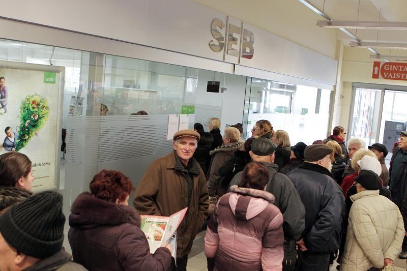 SEB banko Klaipėdos skyriuose – apgultis