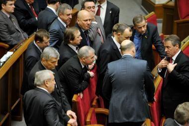 Kovoje dėl premjero posto Ukrainos politikai pasiryžę net paminti Konstituciją
