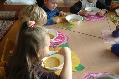 Vilniaus darželyje vaikai dienas leido pusbadžiu