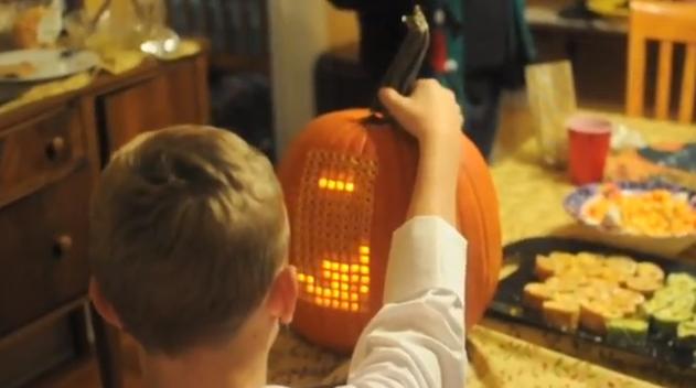"""Helovino manija: tikri moliūgai virsta net ir """"Tetriais"""""""
