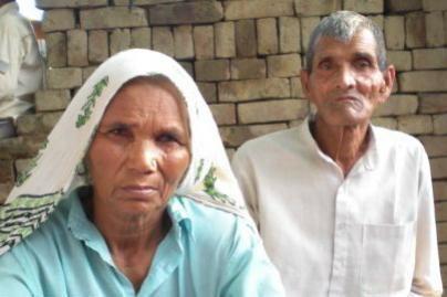 70 metų moteris pagimdė dvynukus