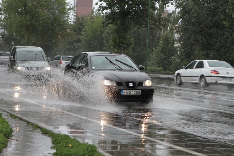 Lietuvos pietryčiuose - dulksna ir silpnas lietus