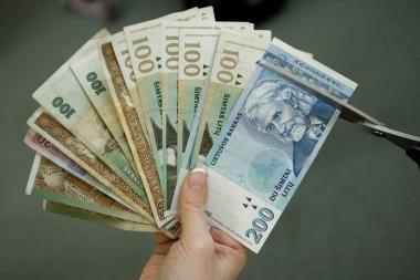 Vyriausybė nesutinka taikyti didesnių mokesčių daugiau uždirbantiesiems (papildyta)