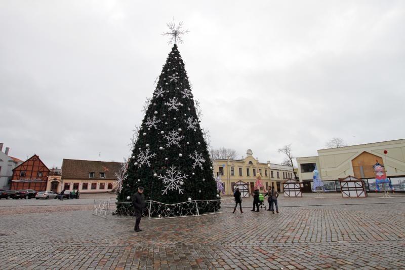 Klaipėdos šventinę eglę išardys kitą savaitę