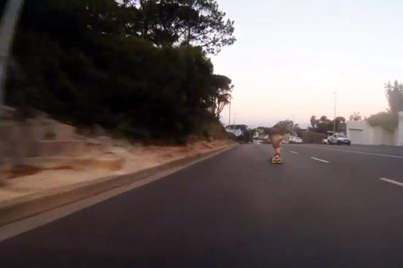 Patrakęs riedlentininkas lėkė milžinišku 112 km/h greičiu