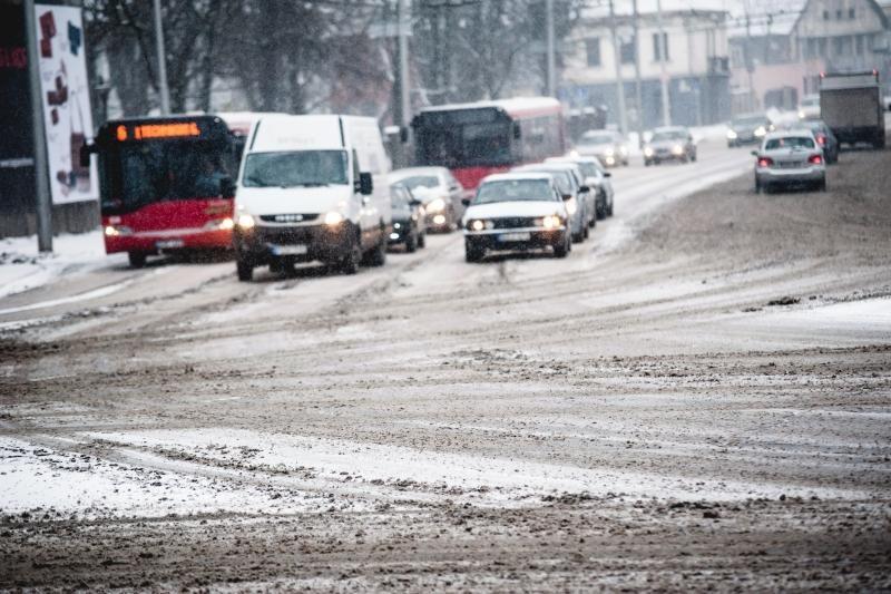 Lietuvos automobilių kelių direkcija: kelyje būkime atsargūs